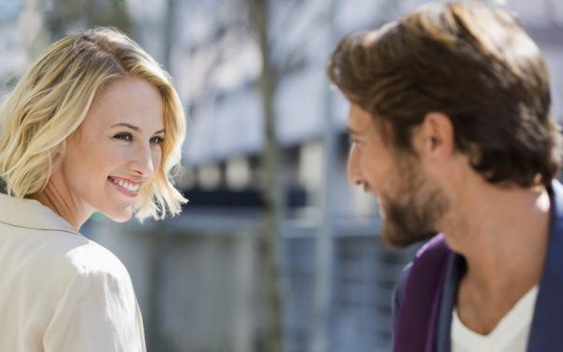 Как заставить парня думать о тебе