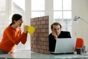 Что делать, если мужчина закрыт в отношениях